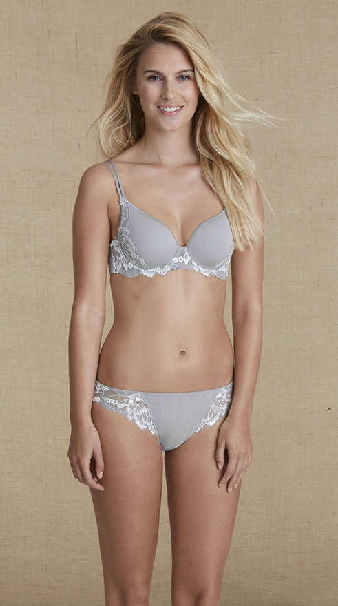 amour-3d-plunge-cup-tshirt-bra-tanga-panty-lace-sheer-cloud-simone-perele-13r316-13r710-front 25
