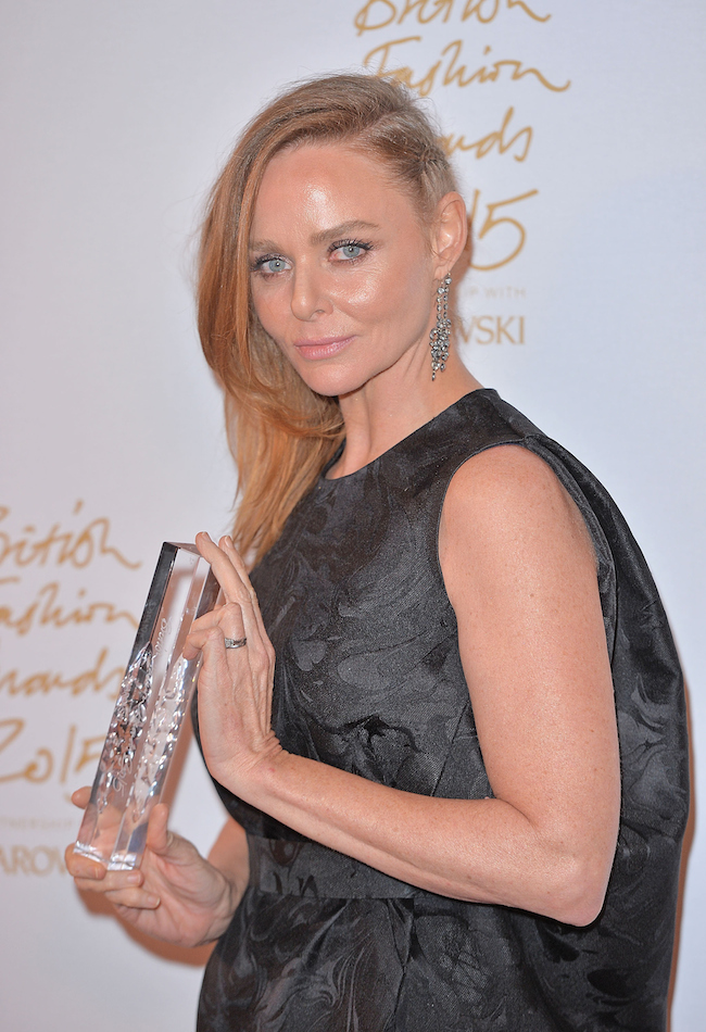 stella-mccartney-poses-in-the-winners-room-at-the-british-fashion-awards-2015-at-london-coliseum-on-november-23-2015-in-london-england